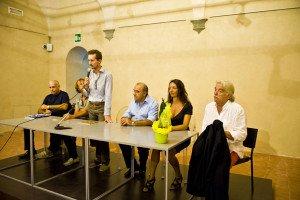 Alessandro Turini introduce la conferenza stampa per 50 CANALE